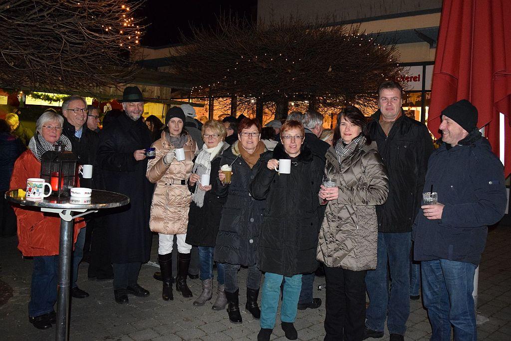 Read more about the article Glühweinstand eröffnet