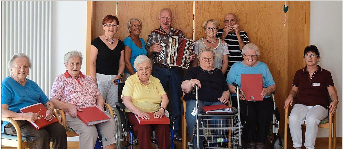 Biergarten-Stimmung im Seniorenheim