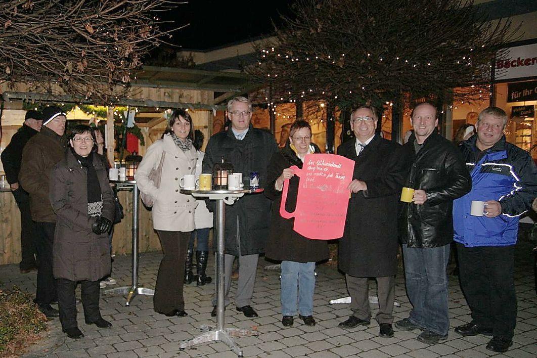 Eröffnung des Glühweinstand für sozialen Zweck